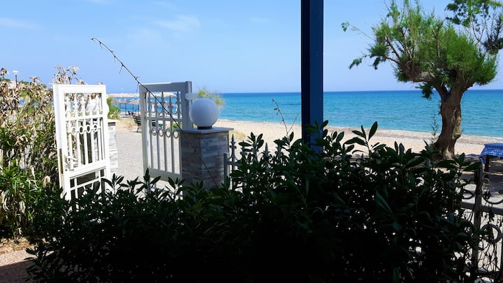 Lovely beach house at Komi in southern Chios (A)