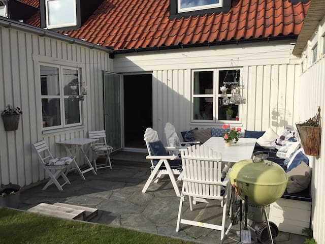 Seaside terrace house close to central Gothenburg!