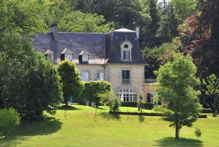 Papillon, Chateau de Beauvais