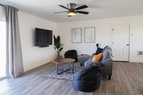 Newly renovated residential home w/large backyard