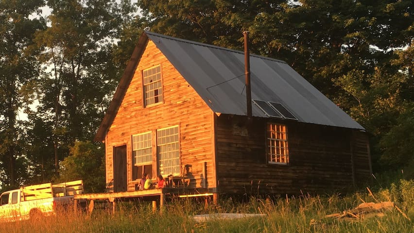 CABIN ON OUR CERTIFIED ORGANIC FARM - Saint Johnsville