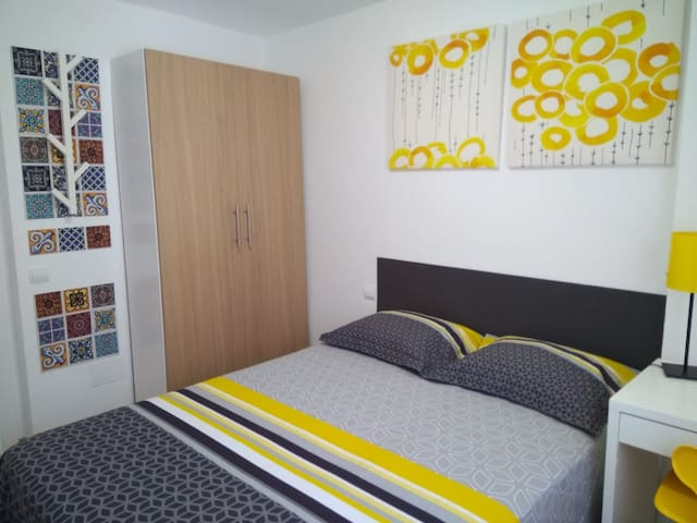 Quiet double room - For students and professionals