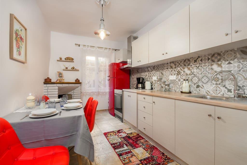 Luna Suite - Kitchen