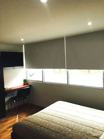 New! Peaceful Private Room/Bath near Zona Rosa 102 - Bogotá - Maison