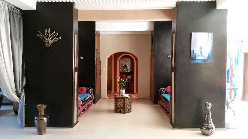 Spacieuse Villa avec jardin à 5km Plage 2km Souk - Agadir - Villa