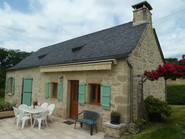 Maison lotoise en pierre - Cuzance - House