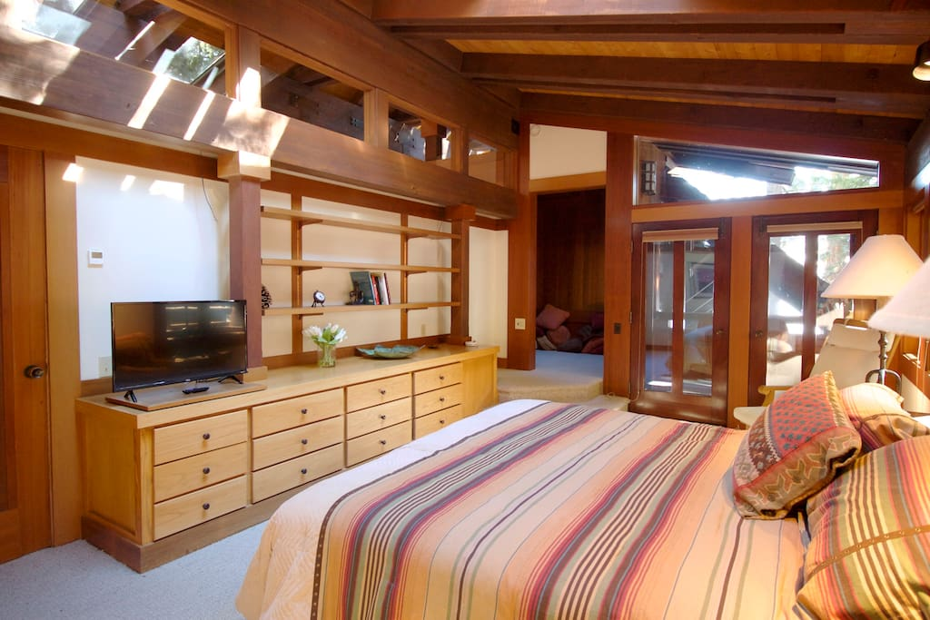 Master bedroom with private balcony. (upstairs)