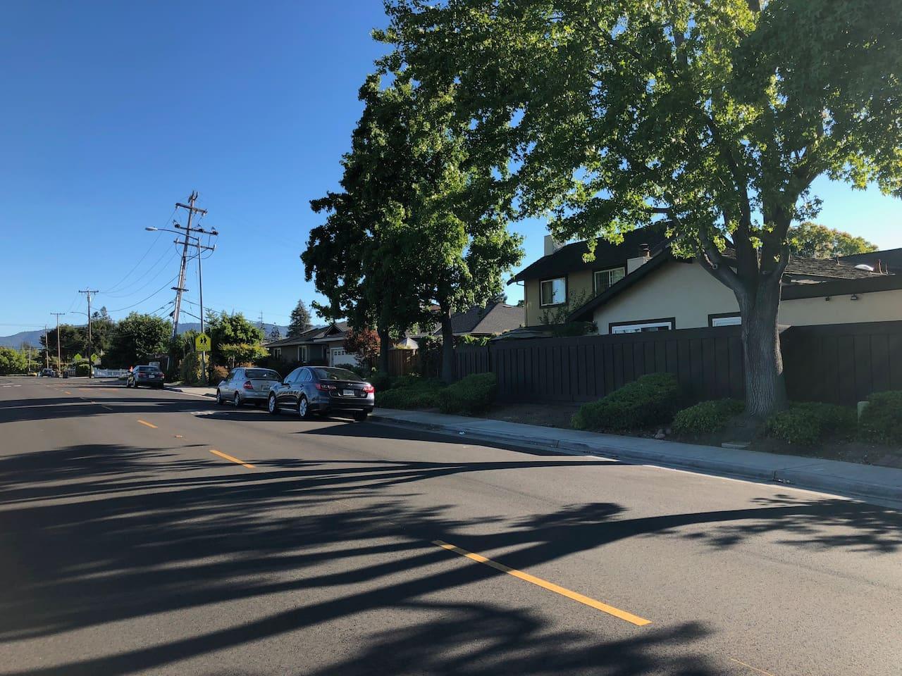 (Street View -- Safe Community Near Cupertino Main St. & Apple HQ)