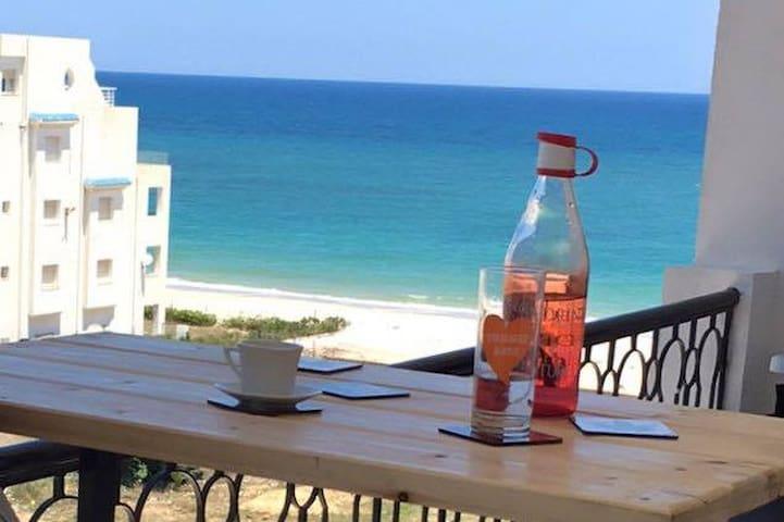 Coquet appartement front mer Sousse - Sousse - Huoneisto