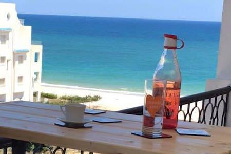 Coquet appartement front mer Sousse - Sousse - Lägenhet