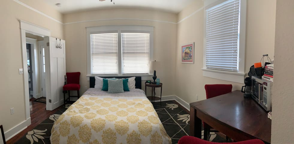 Funky Mid-City Getaway - Private BR/BA
