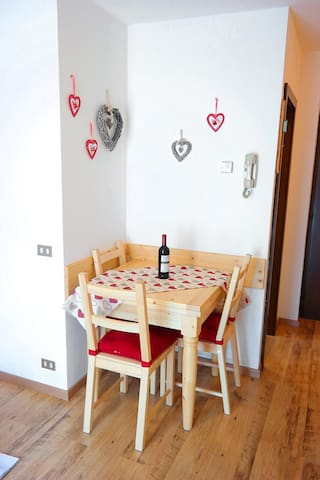 Cozy flat with wifi - 2min from Pinzolo cablecars - Carisolo - Apartmen