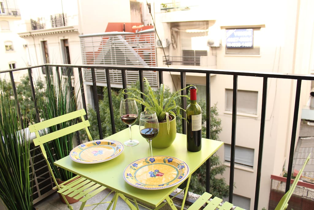 Nice balcony for breakfast or lunch!