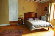 Chambre lit 160 (porte chambre enfants ou ami(e)s)