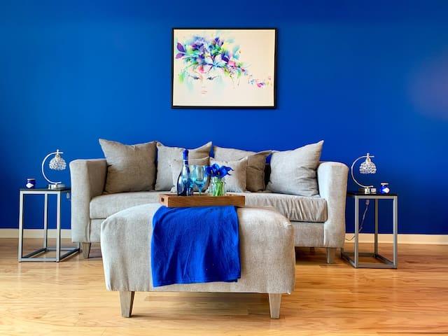 Brilliant Blue Retreat Suite
