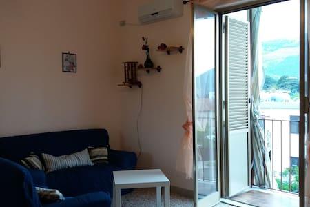 Sunlit House Palermo - Palermo - Wohnung