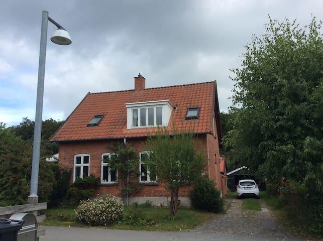 Neighboring The Queen of Denmark in Fredensborg
