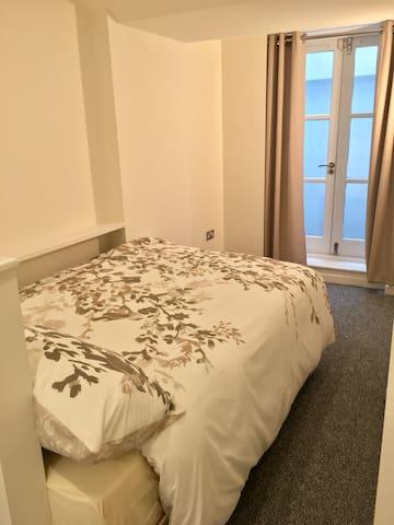"""""""Studio""""/room- Ensuite bedroom with shower!"""