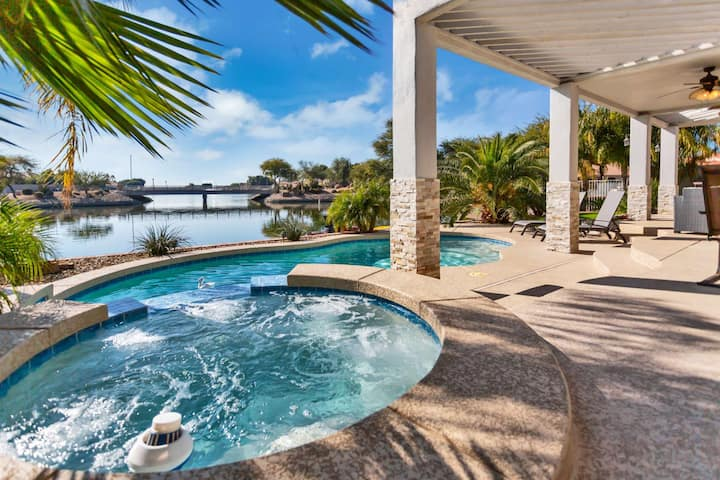 WOW! Waterfront home w/ Kayaks & Paddle boat, Private Heated Pool, Spa–NO Extra Fee! Pool/Ping Pong!
