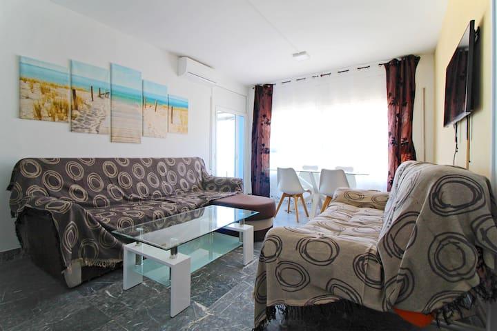 Vista general del salón. General view of the living room.