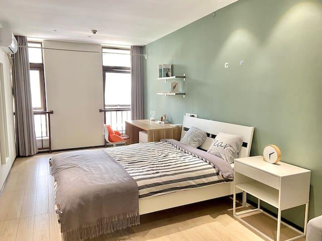 整租|华润置地旗下长租公寓,温馨一居室,可短租可月付,年租享85折哦~