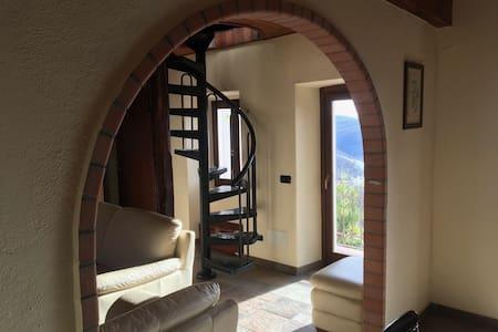 Schönes Haus mit wunderbarer Aussicht - Coiromonte