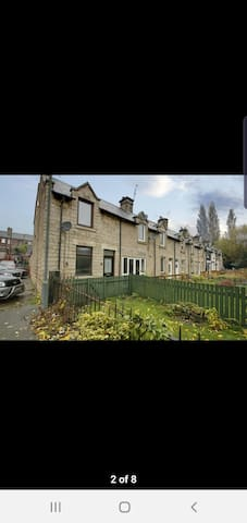 2 bedroom house close to town centre and transport