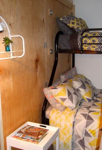 Double Sgle Bunk Room - SHARED - Kauri Lane Huntly - Huntly