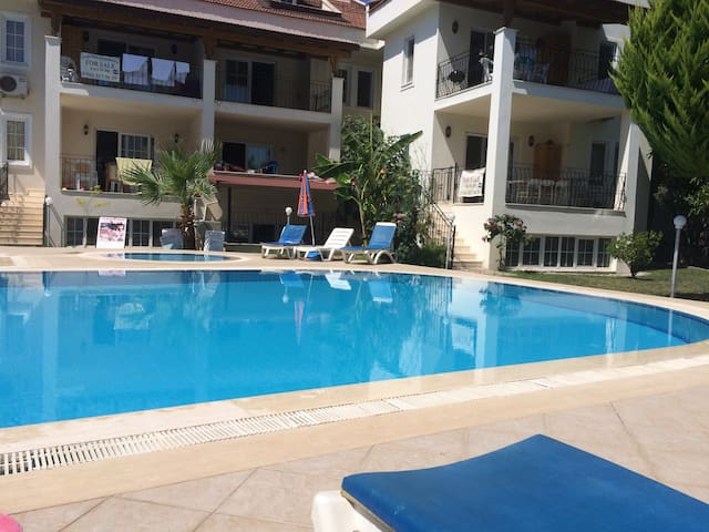 Apartment with pool in the heart of Hisaronu - Fethiye - Huoneisto