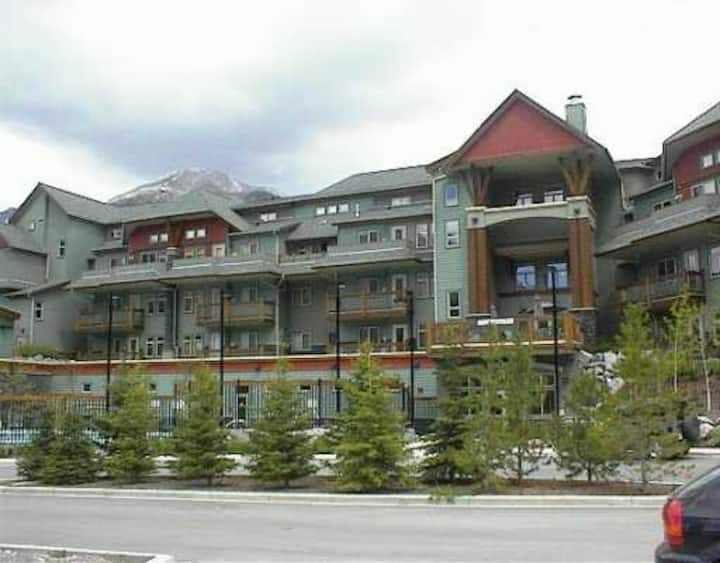 One Bedroom Loft Condo in Canmore