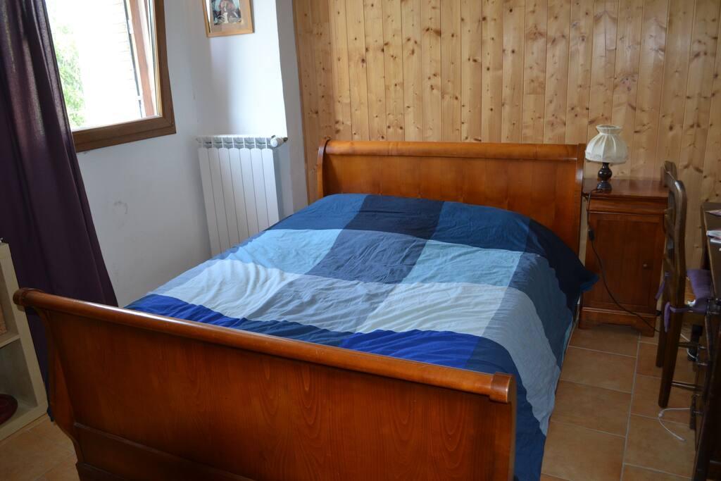 chambre 1 = 1 lit 2 places
