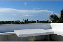 360 roof top seating area