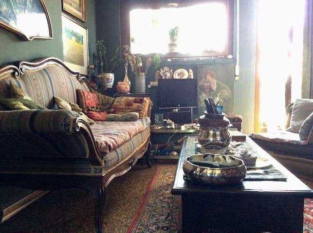 A casa di Sandra - stanza privata in zona Sansiro