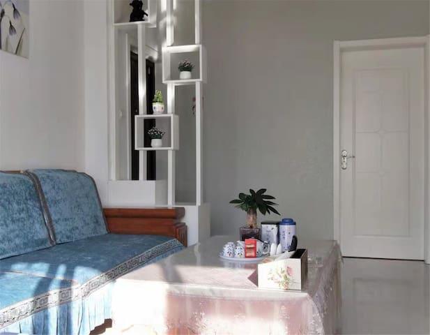 滨州繁华地段,简约风格,温馨两居室。