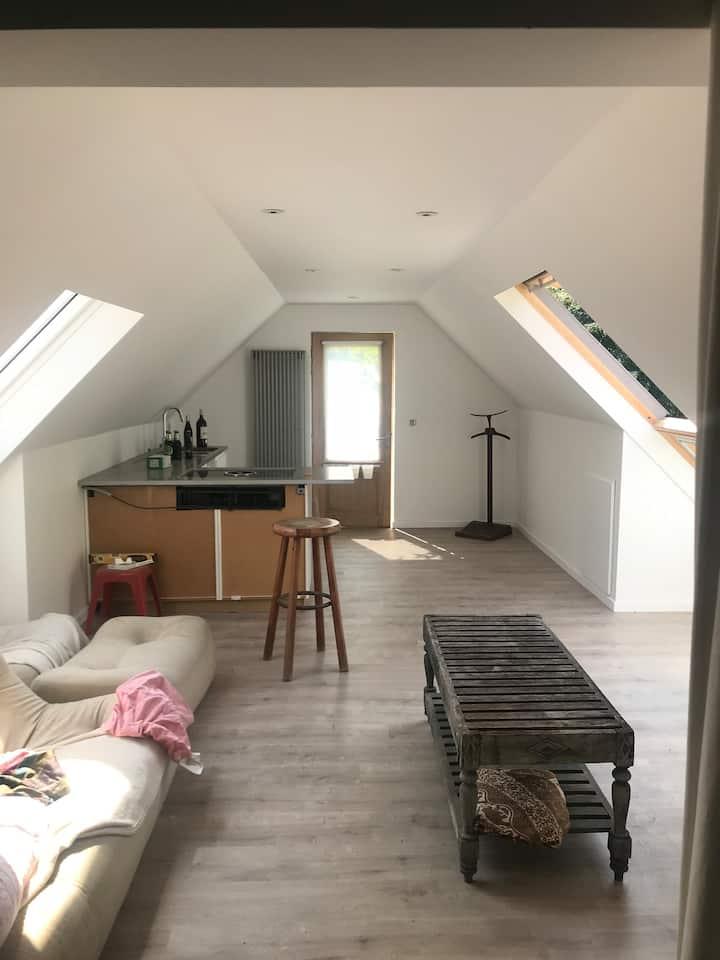 Studio near Kortrijk, green and quiet