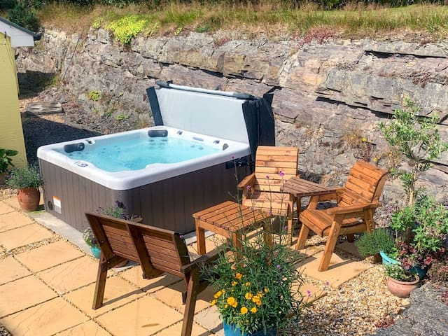 Brynllin Holiday Cottages - Dildre (UK6155)
