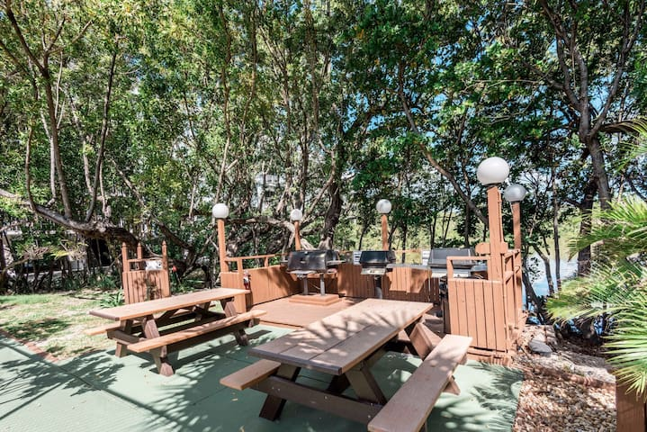 Seaside escape with shared pool, hot tub, tennis courts, and more!