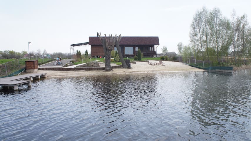 Very beautiful house near the river! - Kiev - Hus