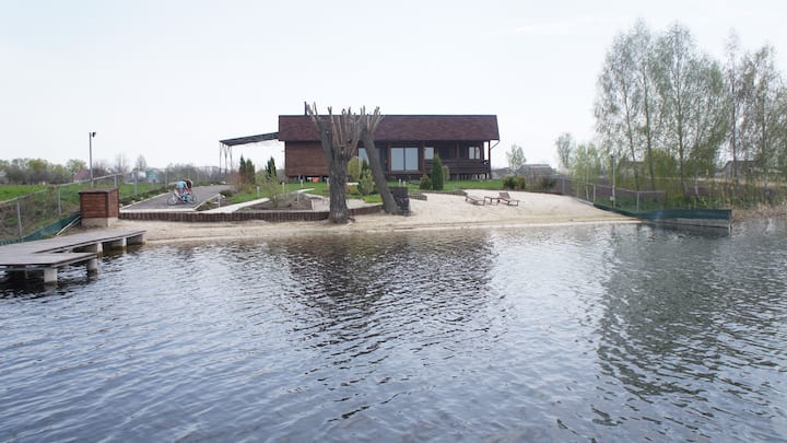 Very beautiful house near the river!