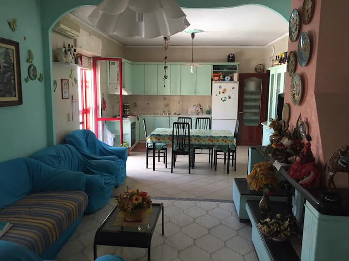 Stupenda Extra Room Near the Airport of Naples!