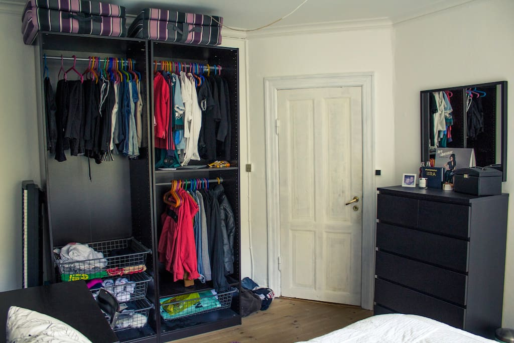 Huge closet and drawer with mirror
