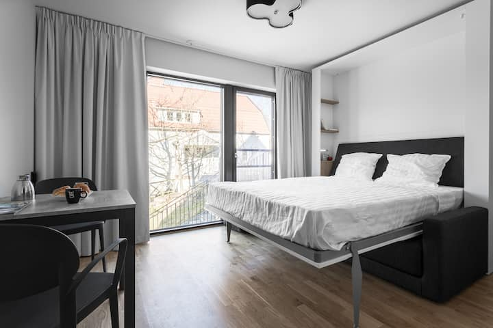 Central and bright Studio in Lidingö/ Free parking