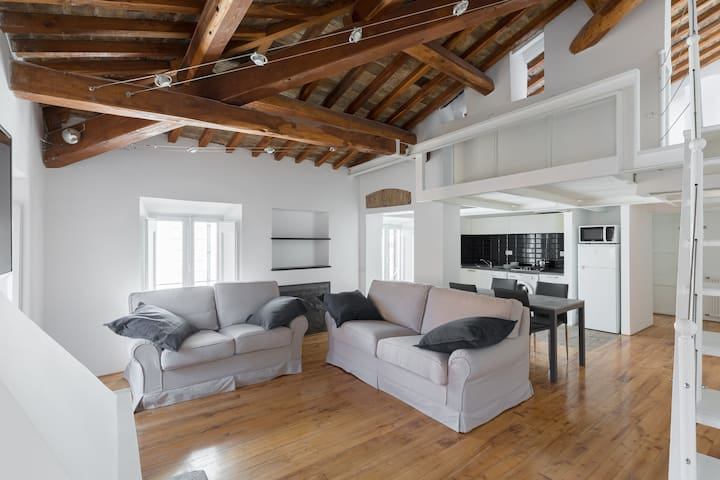 Airbnb Via Frangipane Holiday Rentals Places To Stay