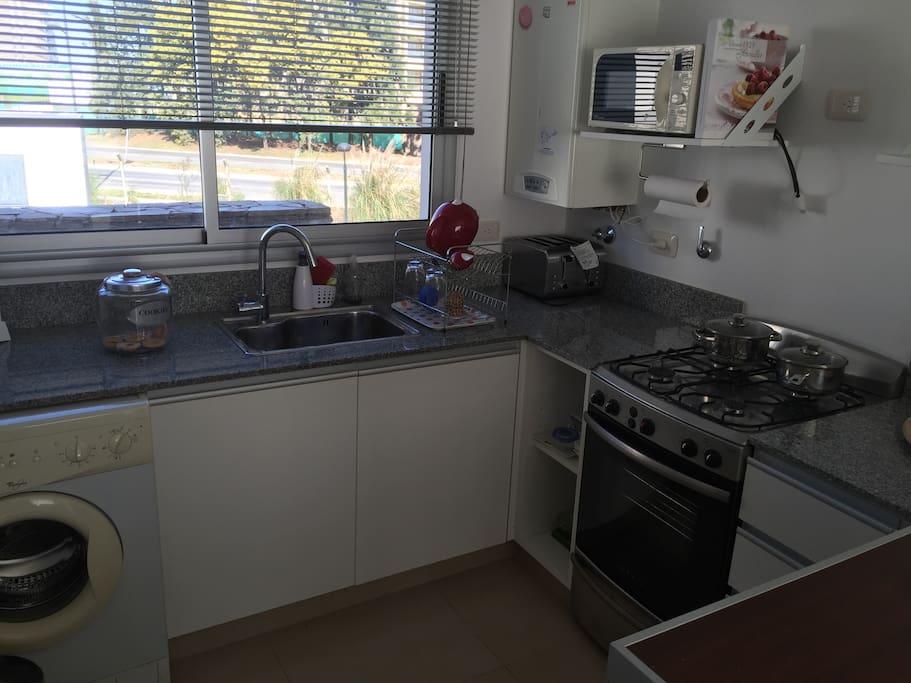 Kitchen // Cocina