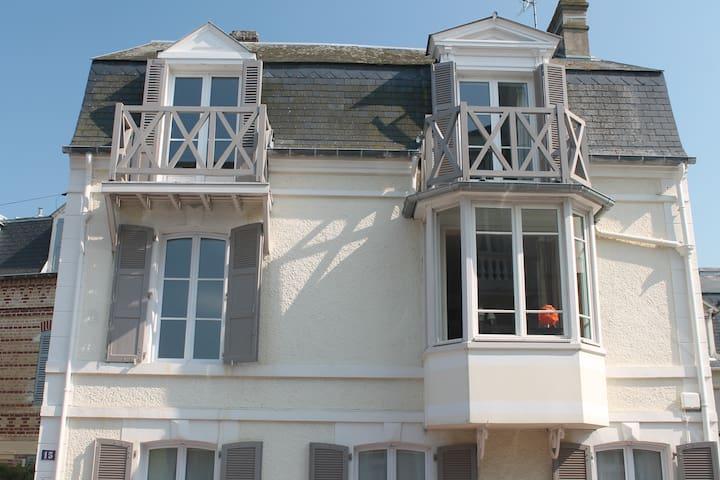 La Cerisée au coeur de Deauville