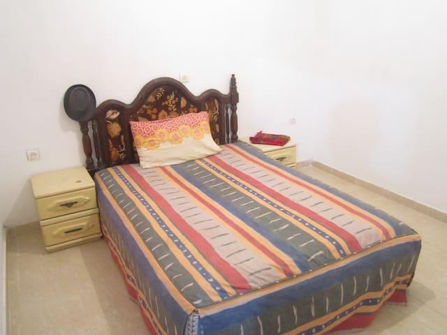 Chambre dans un appartement - targha - Квартира