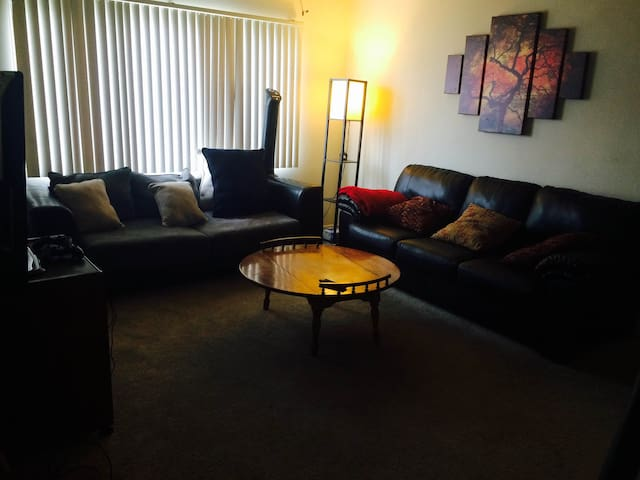 2-Bedroom Apartment in Palms/ Culver City - Los Angeles - Appartement