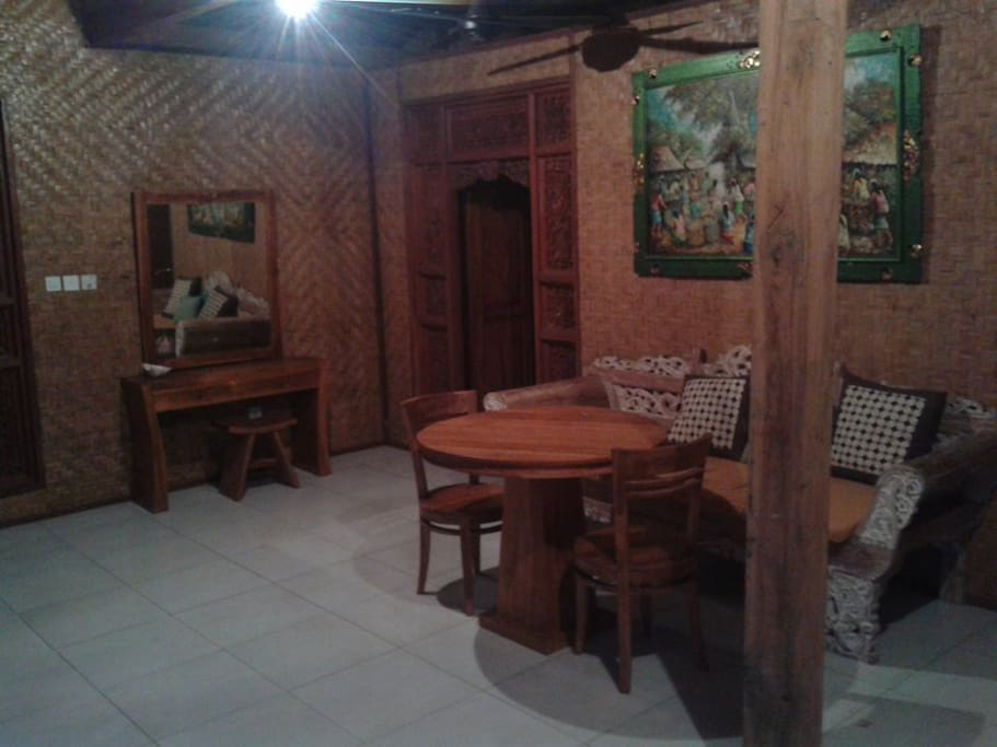 DI'Uma Bungalow III: Living Room