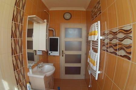 Teljesen felújított 37 m2-es garzon - Martfű - Διαμέρισμα