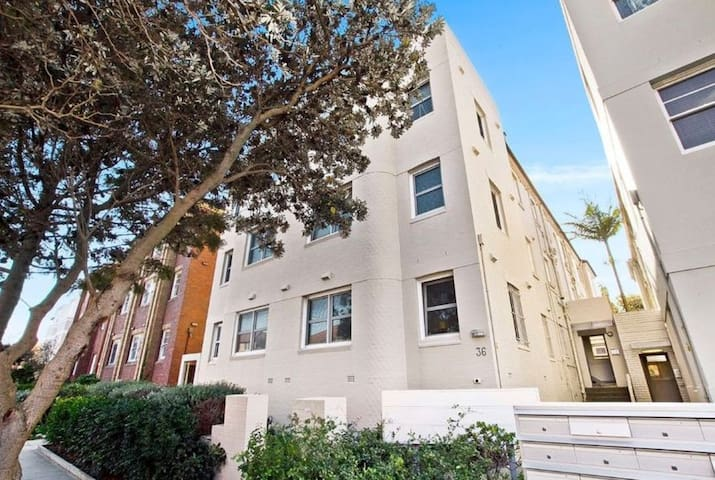 Stay in the heart of North Bondi!